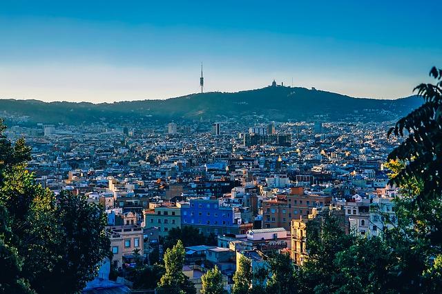 barcelona-1875848_640
